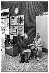 IMG_9448_ (lindgren2005) Tags: helsingborg sverige sweden nikkormat 35mm ladies damer tanter trix blackandwhite bw svartvitt