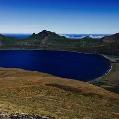Hornvik in Westfjord Iceland. (unnurol) Tags: kalfatindar hornhornvikhornvíkwestfjordicelandblueskyhornbjargoutdoorhikingeinbúimountainocean