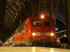 Pbz frisch angekommen in Frankfurt(Main) Hbf (marcelmehlhorn) Tags: night nacht frankfurt 115 frankfurtmain 114 e10 pbz dosto einheitslok