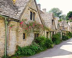 Arlington Row Cottages, Bibury! (springblossom3) Tags: cotswolds cottage row stone architecture