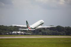 Alitalia Airbus A320-214 I-BIKD (Ronnie Macdonald) Tags: aircraft stansted alitalia airbusa320 ronmacphotos ibikd