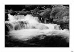 Agua blanca II (V- strom) Tags: blanconegro texturas paisajes largaexposicin luz recuerdo agua roca seda paisaje naturaleza nikon