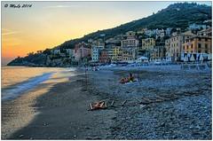 Love is in the air (Maurizio Longinotti) Tags: loveisintheair love spiaggia beach tramonto sunset sori mare sea colline hills landscape panorama seascape caseallaligure golfoparadiso evening sera liguria italia italy