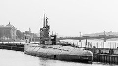 S-189 submarine museum (Suicidal_zombie) Tags: russia russie russianfederaion saintpetersburg stpetersburg morning sunny beautiful water river neva bigneva sky scape cityscape landscape waterscape submarine memorial bridge blagoveschenskiy black white bw monochrome monotone