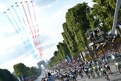 (chrischyu66) Tags: monument arcdetriomphe parade patrouilledefrance peloton