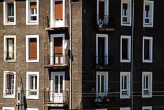 _DSC5012 (adrizufe) Tags: sestao margenizquierda basquecountry fachadas ventanas windows arquitectura adrizufe adrianzubia aplusphoto ngc nikonstunninggallery nikon d7000