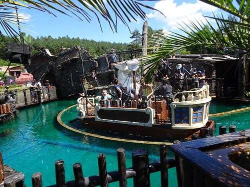 La Crique de Pirates, Fraispertuis City