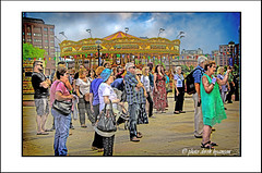 IMG_1608 - AUDIENCE (Derek Hyamson) Tags: audience albertdock liverpool waterfront candid hdr