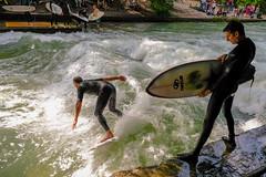 Surfer am Eisbach in Mnchen (Werner Schnell Images (2.stream)) Tags: ws eisbach mnchen munich surfer surfing welle wave isar fluss river sport action water wasser