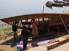 Boat Fixing (MosaicMarj) Tags: boatrepair gangesganga varanasiindiaintrepidtravelboat