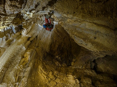 Le P30 terminal sous un autre angle (Romain VENOT) Tags: cave caving puits gouffre drôme speleologie concrétions