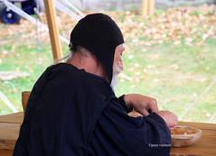 04-IMG_3167 (hemingwayfoto) Tags: abensberg alt brgerfest bayern historisch holz hut kleidung landkreiskelheim mann mittelalter niederbayern pause ritter tisch tradition