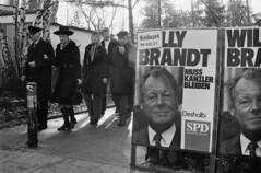 "Bundestagswahl 19.11.1972 (""Willy-Wahl"") (Heinrich Klaffs) Tags: bundestagswahl willy brandt hamburg helmut vater gustav loki tochter susanne schmidt"