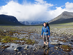 . (~janne) Tags: berge europa janne kamera mann menschen umwelt em1 environment europe lappland omd schweden norrbottensln se