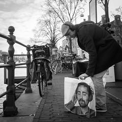 (Thomas Leuthard) Tags: street leica white black photography flickr fuji thomas streetphotography olympus monochrom res beau omd hcb leuthard thomasleuthard