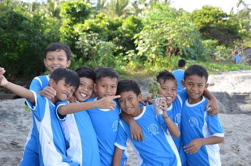Schüler einer 2. Klasse am Mangsit Beach, Lombok