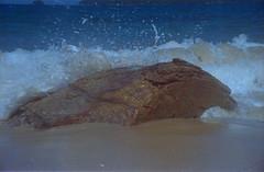 Splash 2 (a.ninguem) Tags: ubatuba pentax k1000 film 35mm kodak color beach waves sun secluded