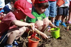 INICIA I - Huerto - Fundacin Cerezales (Fundacin Cerezales Antonino y Cinia) Tags: plantas taller huerta huerto inicia fundacincerezales fcayc enderezados