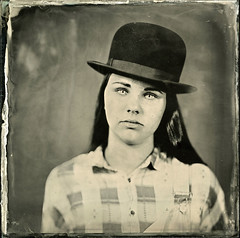 [mG] Collodion 1 ([Eric OLIVIER]) Tags: wetplate wet plate collodion ambrotype 18x18cm industar i13 30cm f45 portrait chapeau jeune homme fille young studio strobe 1200w flash