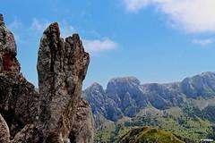1.046 - Cordal de La Mesa (esnalar) Tags: parquenaturaldelasubiaslamesa concejodelena asturias asturies principadodeasturias principaudasturies parasonatural espaa spain cielo nubes sol montaa montaismo naturaleza paisaje airelibre sky clouds sun mountain mountaineering trekking nature landscape openair