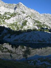 Jezero Ledvica / The Ledvica (Kidney) Lake (Damijan P.) Tags: gore hribi julijci julijskealpe alpe monutains hiking julianalps alps slovenija slovenia špičje zadnjica prehodavci triglavskajezera trenta prosenak triglavlakes