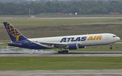 Atlas Air (RaulCano82) Tags: airplane texas tx houston cargo atlas boeing iah boeing767 atlasair 767300 kiah cargoplane htx