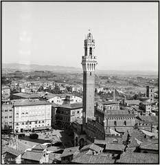 Siena_Piazza del Campo e Torre del Mangia_Rolleiflex 2.8E (ksadjina) Tags: italy 6x6 film analog blackwhite scan siena toscana rodinal silverfast rolleiflex28d kodak100tmax nikonsupercoolscan9000ed carlzeissplanar80mmf128