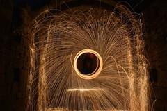 La luz es vida (hectoriglesiasboquete) Tags: jaca d5200 nikon fire largaexposicion longexposure fuego