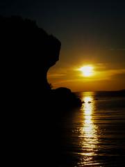 Tobermory Sunset (ildikoannable) Tags: tobermory ontario flowerpot cliff rocks goldenhour olympus lumix mirrorless