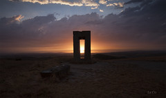 the door (LaCiz) Tags: cretesenesi sunset sun landscape tuscanylandscape tuscany sitetransitoire
