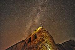 En una esquina de la galaxia (Hectorlbt) Tags: milkyway vialactea longexposure long stars cielo valencia benageber nikon nigth largaexposicion d700 samyang 14mm estrellas