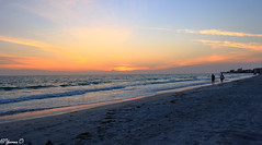 Last light during sunset (Yvonne Oelsner) Tags: sonnenuntergang sunset lastlight beach gulfcoast madeirabeach florida landscape waterscape seascape sky clouds