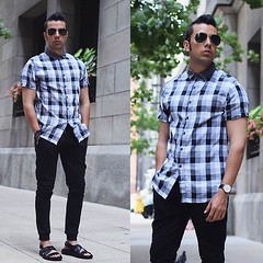 Summer in sandals... by Franko D., Socialite, Street style and Menswear Blogger  from Miami/ Chicago/ NYC, United States (9lookbook.com) Tags: art black blackandwhite blazer brooklyncloth business casual clubmasters dapper denim dope fall festival frankodean gentleman gingham gray grey honey jeans joggers knittie longshirt look lookoftheday looks mensfashion menswear miami navy ootd plaid rayban sandals shirt smart spring streetfashion streetstyle style stylish summer sunglasses tie tote travel trending trendybutler trousers winter bodaskins danielwellington