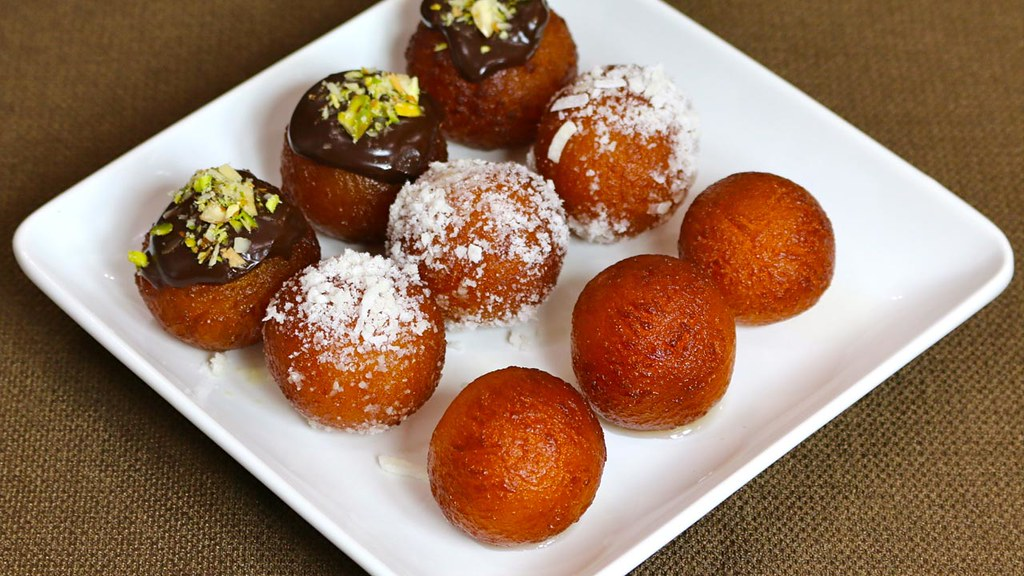 Image result for Bánh sữa trứng Gulab Jamun của Ấn Độ