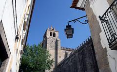 vora (Antnio Jos Rocha) Tags: cathedral catedral s rua alentejo candeeiro vora