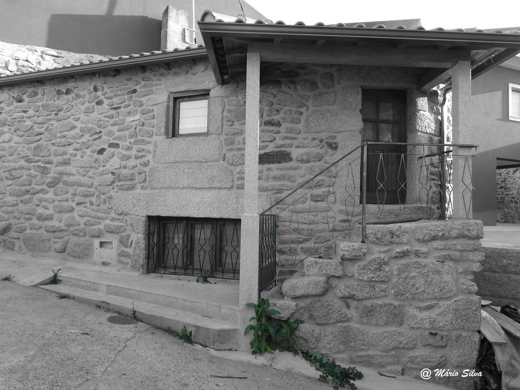 Águas Frias (Chaves) -  ... mais uma casa portuguesa ... com certeza ...