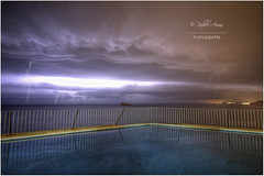 (112/15) Tormente sobre Benidorm (Pablo Arias) Tags: españa photoshop spain alicante nocturna benidorm rayos photomatix villamarina sigma1020 nikond300 pabloarias