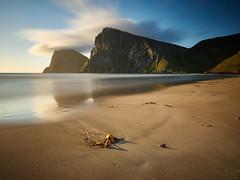 Kvalvika Beach (stefandinkel) Tags: sunset sea beach strand sand meer wasser norwegen lofoten mitternachtssonne m43 mft kvalvika moskenesya olympusomdem1 stefandinkel