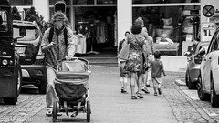 Gegenstze (BlackPassionPhotography) Tags: gegenstze tbingen kinderwagen papa mama schwarz weis blackpassion photography canon adobe tamron imac apple instagram facebook flickr vape geek joytech rasta sommer sonne lightroom blackwhite bw monochrome