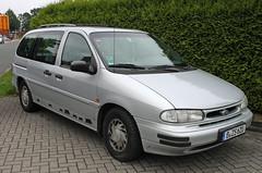 Windstar (The Rubberbandman) Tags: wiesmoor ford windstar minivan german germany us usa america american car vehicle van modern silver lagre family gl auto fahrzeug outdoor