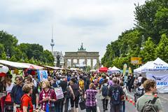 Berlin - Tiergarten (mariosantiaguino_) Tags: berlin hauptbahnhof sbahn spree tiergarten reichtag spandauer