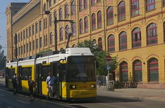 Berlin (Spreehfe) (Jean (tarkastad)) Tags: tarkastad berlin allemagne germany deutschland strasenbahn streetcar tram tramway lrt lightrail panneaux signs