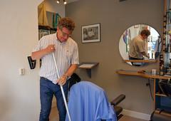 DSCF6584.jpg (amsfrank) Tags: people rivierenbuurt candid amsterdam maasstraat rien klok kapper hairdresser