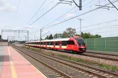 SKMW 35WE-004 , Jaktorw train station 08.07.2016 (szogun000) Tags: jaktorw poland polska railroad railway rail pkp station ezt emu set electric newag 35we 35we004 impuls skmwarszawa train pocig  treno tren trem passenger commuter subowy d291 d294 mazowieckie masovian mazowsze masovia canon canoneos550d canonefs18135mmf3556is