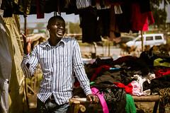 Vendedor de ropa /  Cloth seller (rrmontero) Tags: vendedor seller ropa cloth africa kenya kenia nairobi streetphotography streetphototography street