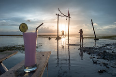 Ice cold strawberry milkshake and hot girls - sunset on Gili Trawangan, Lombok, Indonesia (Maria_Globetrotter) Tags: dscf1945armin hightide high tide