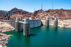 Hoover Dam - Front (dxd379) Tags: arizona nikon nevada hooverdam lakemead coloradoriver blackcanyon boulderdam d5000