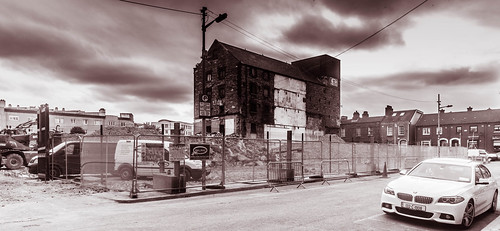 WINDMILL LANE RECORDING STUDIO IS NO MORE [WHERE IS THE GRAFFITI WALL?] REF-104354