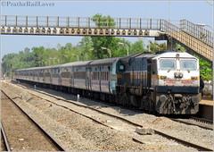 Speed Queen of Konkan - Madgaon Janshatabdi Express (PrathzRailLover) Tags: indianrailways konkanrailway madgaonjanshatabdiexpress janshatabdiexpress kankavli irfca gocwdp4d konkan diesellocomotives dieseltrains