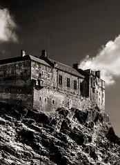 Edinburgh Castle (albireo 2006) Tags: edinburgh edinburghcastle scotland blackwhitephotos blackandwhite blackandwhitephotos blackwhite bw bn nb pb sepia